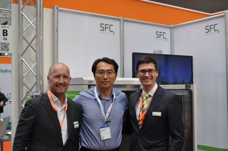 SFC Energy and Beijing Green Century Technologies sign